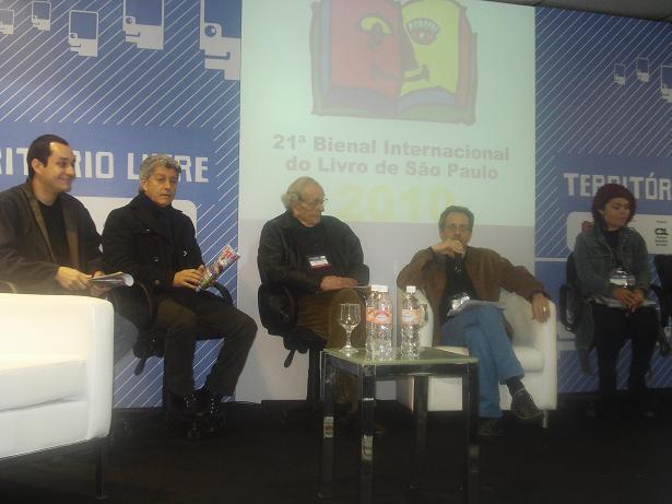 Profissionais discutiram a profissão com plateia repleta de estudantes / Foto: Tássia Kastner