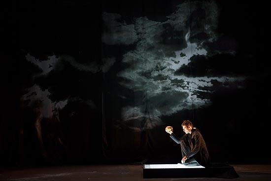Thiago Lacerda encarna Hamlet em Belo Horizonte