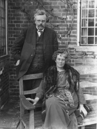 Chesterton e sua esposa, Frances.