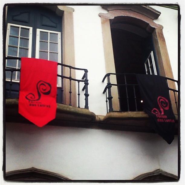 """A cidade de Ouro Preto está toda decorada com o """"Fórum das Letras"""""""