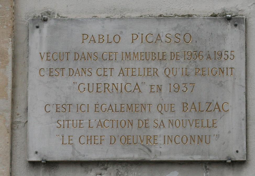 """Placa em Paris mostra: o endereço em que Picasso morou e pintou a Guernica é o mesmo em que Balzac morou e escreveu """"A obra-prima ignorada"""""""