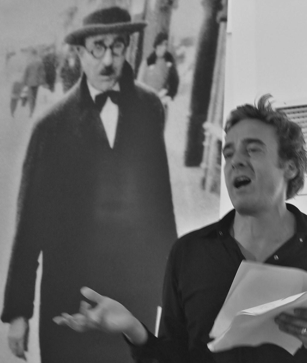 Alexandre Borges lê Fernando Pessoa no aniversário do grande poeta