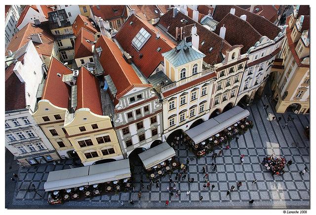 O Grand Cafe Praha fotografado de cima do Relógio Astronômico