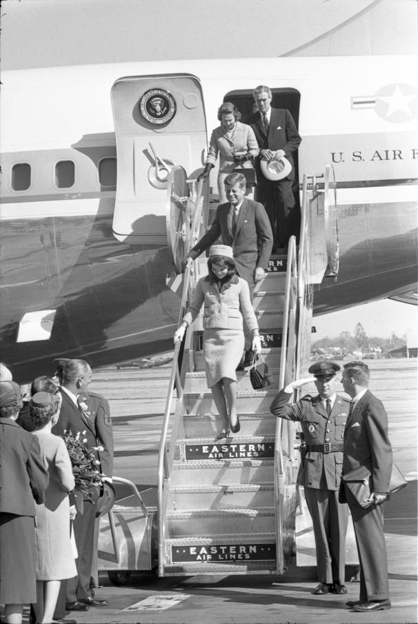 O desembarque do canal Kannedy em Dallas na manhã do dia 22 de novembro de 1963