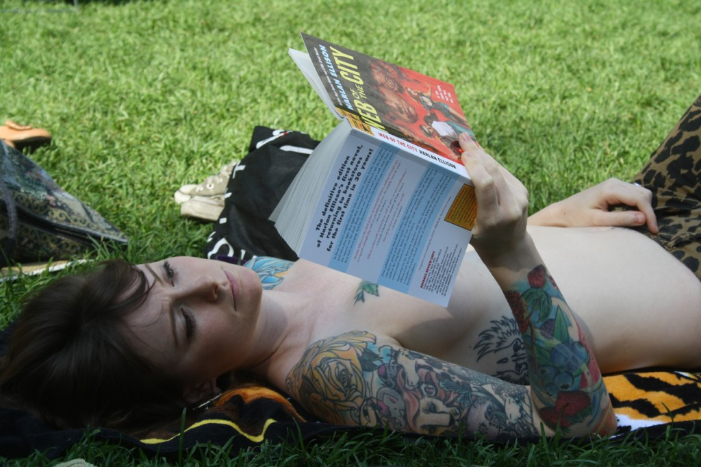 topless_book