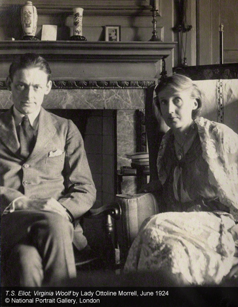 T.S. Eliot e Virginia Woolf, fotografados por Lady Ottoline Morrell em junho de 1924.