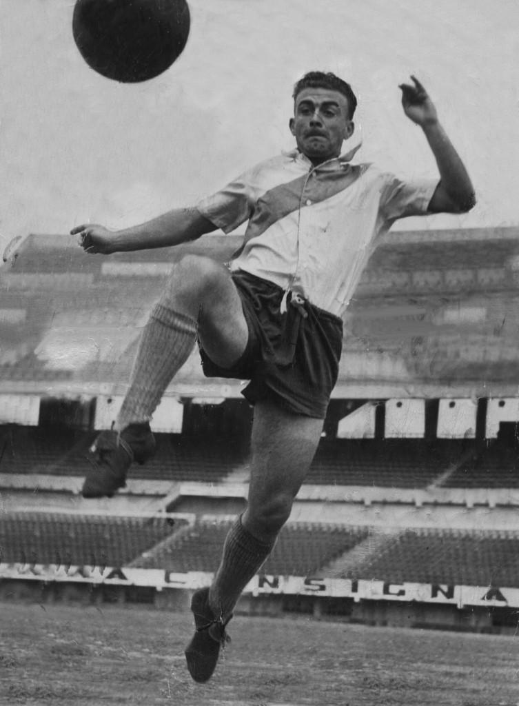 Alfredo Di Stéfano em ação