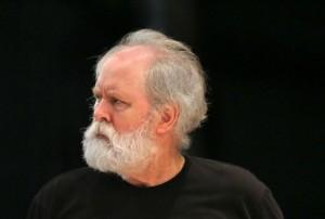 John Lithgow deixou sua barba crescer para o papel