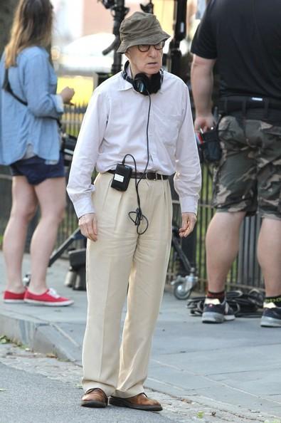 """Woody Allen no set de filmagem de """"Irrational Man"""" com o seu tradicional chapeuzinho"""