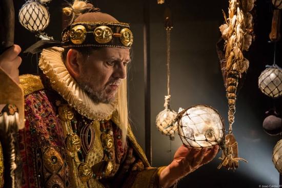 Celso Frateschi como Próspero