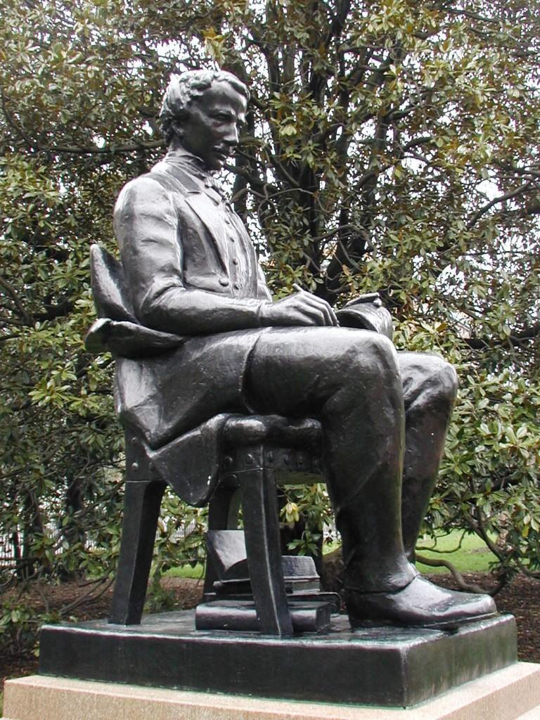 Em Richmond, Virginia, onde Poe morou duas vezes durante a vida, também há uma bela estátua em sua homenagem