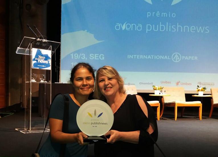 """Caroline Chang e Elizabeth Vilela receberam o Prêmio Avena 2018 pelo sucesso de """"Sapiens"""""""